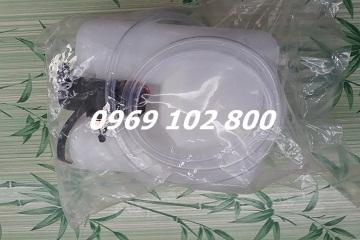 Bình nước rửa kính suzuki
